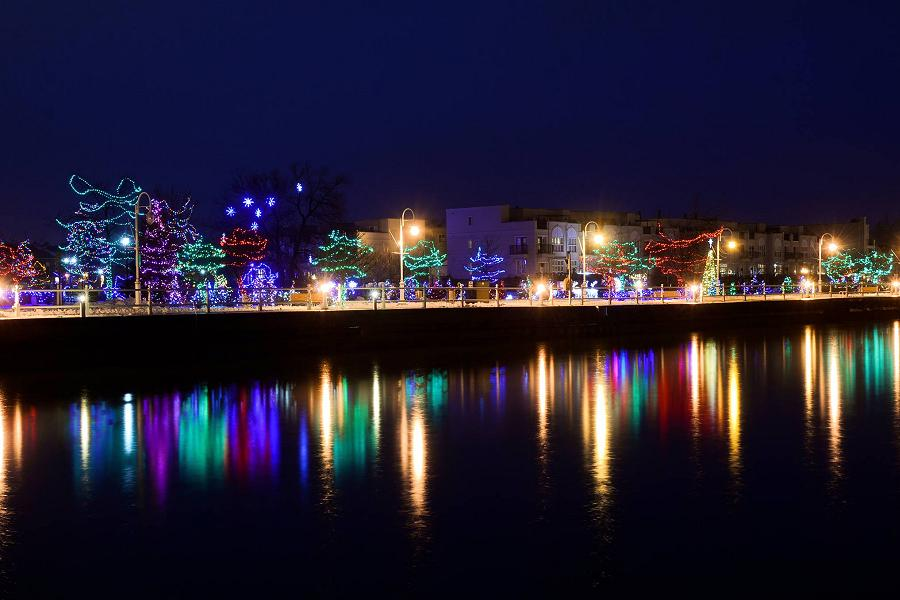 Fall Town Wallpaper Take A Tour Of Christmas Lights In Bowmanville And Cobourg