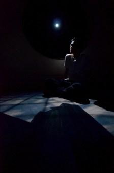 鈴木のぞみ ピンホールカプセルの様子 (848x1280)