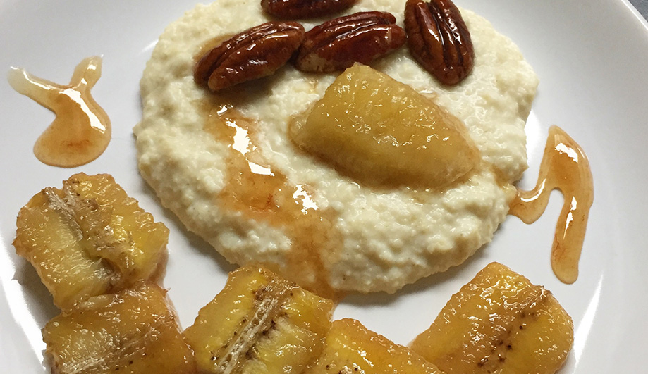 Honigbananen mit Pecan Nüssen und Hirsebrei
