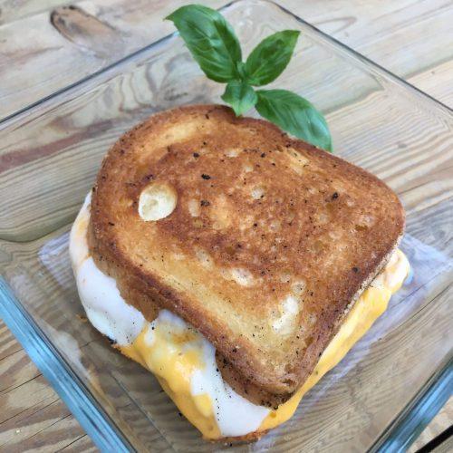 Glutenfreies Doppel-Käsesandwich