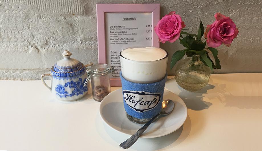 Kleinod Café in Lokstedt - Kleines Hofcafé