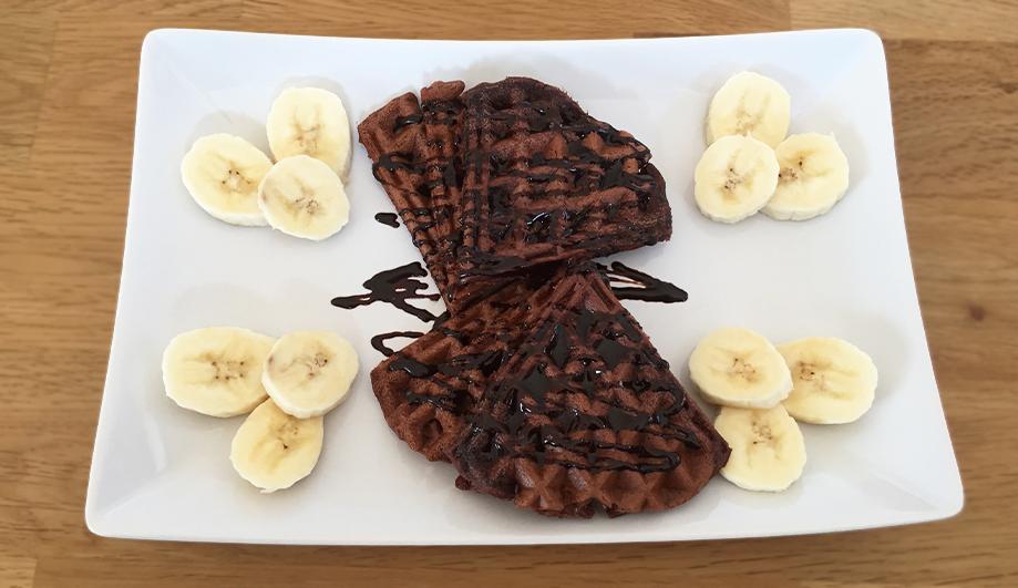 Vegane, glutenfreie Schoko-Bananen-Waffeln