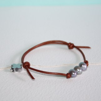 3-Pearls-Adjustable-Leather-Bracelet