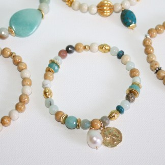 Mixed-Gemstone-Freeform-Pearl-Roman-Coin-Charm-Stretch-Bracelet