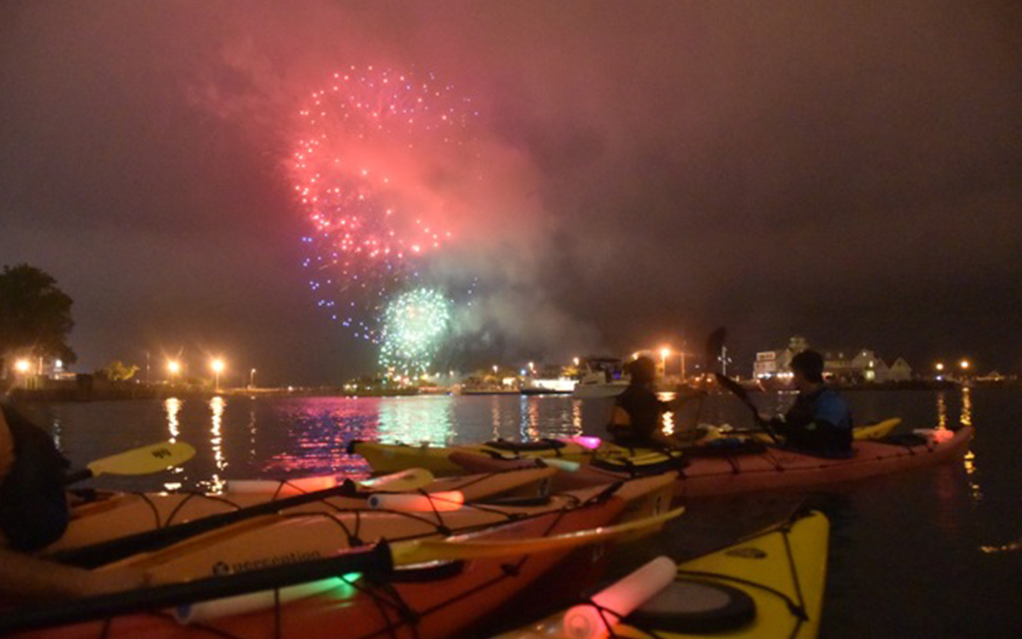 chicago fireworks paddle
