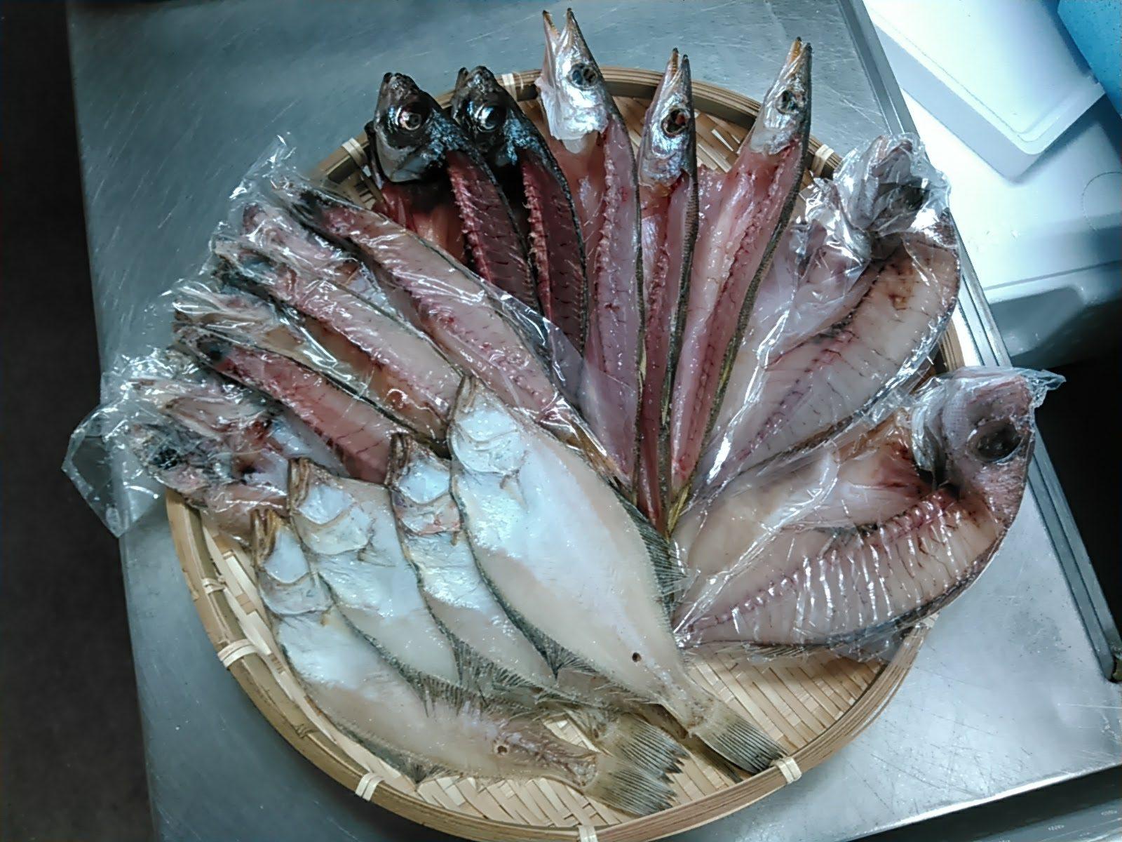 エテカレイ – カマス – アジ – タイ – クロムツ干物セット(5種)