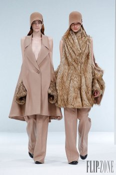 awesomw-collection-of-ready-to-wear-hussein-chalayan-fall-winter-2015-2016-dresses-for-modern-ladies-21