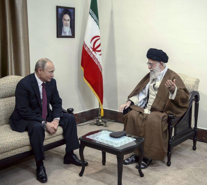 FILE PHOTO: Russian President Vladimir Putin (L) meets with Iranian Supreme Leader Ayatollah Ali Khamenei in Tehran, Iran November 1, 2017. Reuters