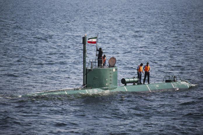 2011-12-27T120000Z_1967512838_GM1E7CS09U001_RTRMADP_3_IRAN-OIL-HORMUZ