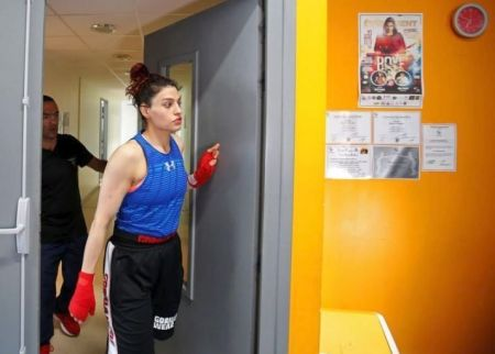 Iranian boxer Sadaf Khadem during training session in preparation to her first official boxing bout in Royan, France, April 11, 2019. REUTERS/Regis Duvignau