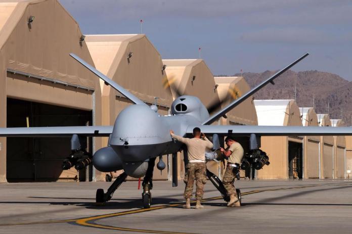 Drone-843993498