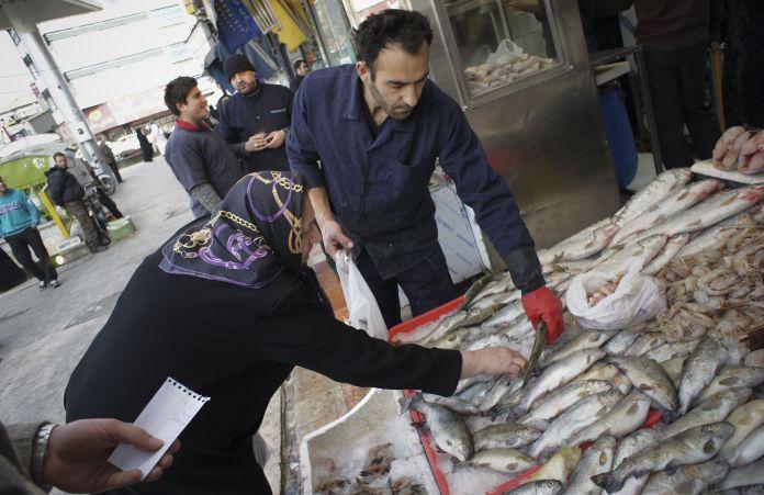 2010-12-21T120000Z_1390296569_GM1E6CL1MZD01_RTRMADP_3_IRAN