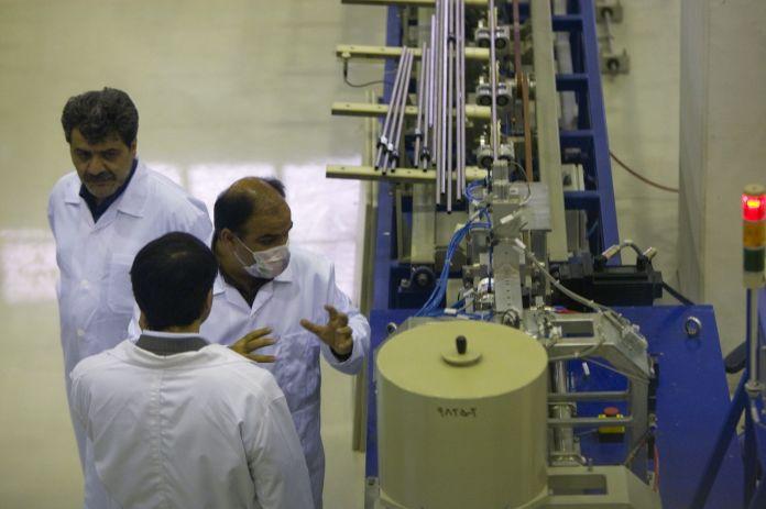 2009-04-09T110000Z_623610201_GM1E54A0OEQ01_RTRMADP_3_IRAN-NUCLEAR