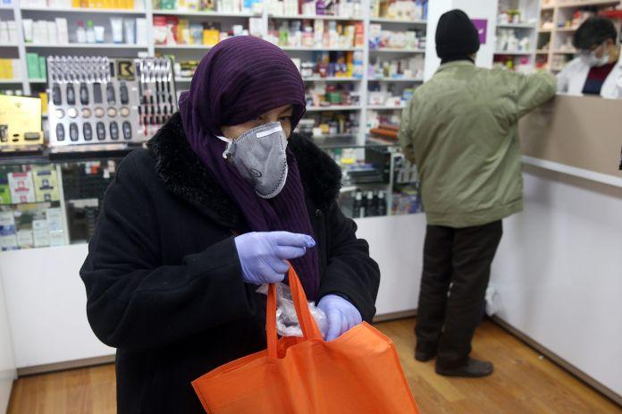 2020-02-25T141725Z_660441029_RC2Q7F9XS5BN_RTRMADP_3_CHINA-HEALTH-IRAN-scaled