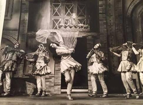 Farzaneh Kaboli - Shushtari dance. KAYHAN LONDON./