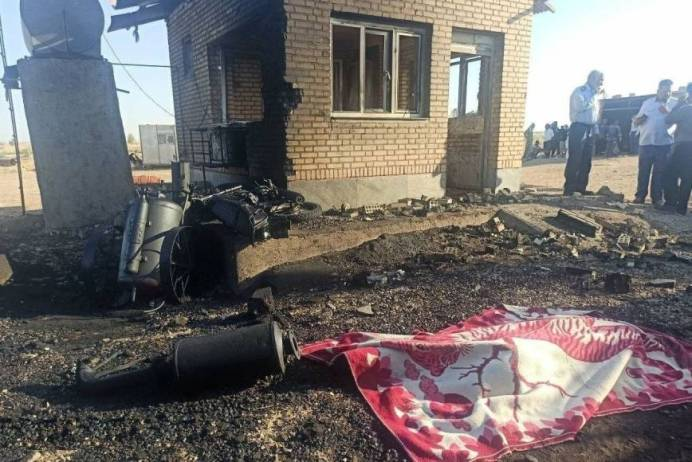 The blast occurred along a pipeline connecting the Cheshmeh Khosh oilfield to the city of Ahvaz. KAYHAN LONDON./