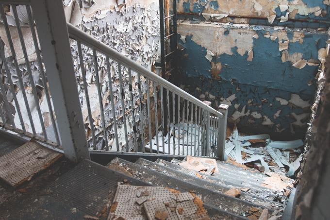peeling paint, abandoned