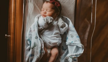 newborn photographer kayla kohn, olathe kansas newborn photographer, lawrence kansas photographer