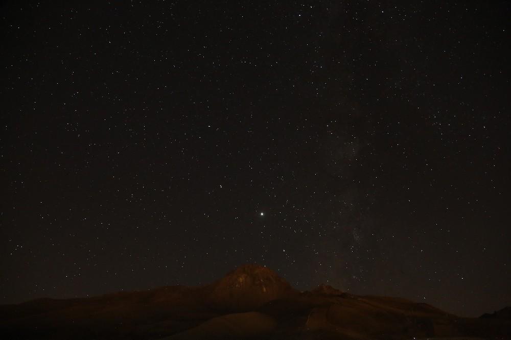 Kayserililer meteor yağmurunu Erciyes'te izledi