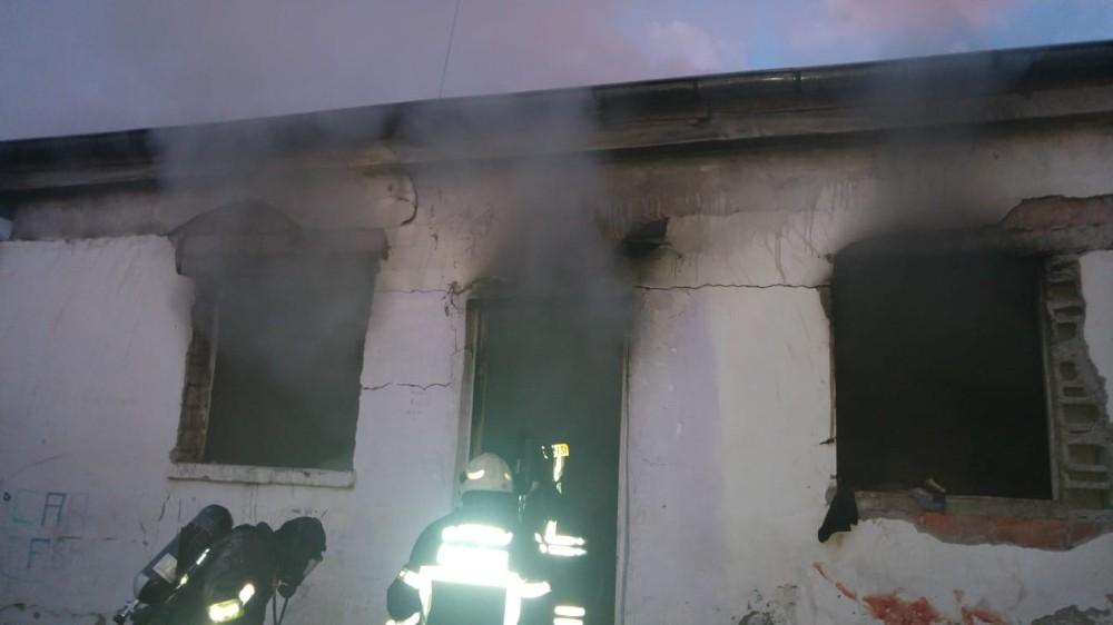 Müstakil evde gaz sıkışması sonucu patlama: 6 yaralı
