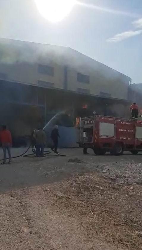 Develi'de iş yeri yangını