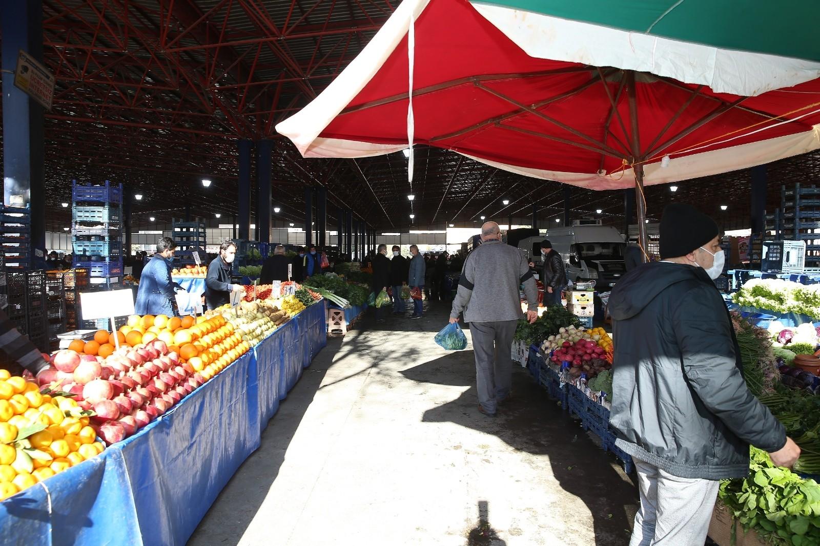 Kısıtlamada açık olacak semt pazarlarında yeni düzenleme