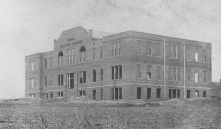 1910 Administration Building Construction
