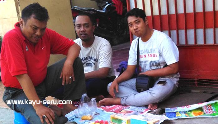 Founder Kayu Seru - Gelar Lapak Dipasar Pagi Depok - Memulai Bisnis (1)