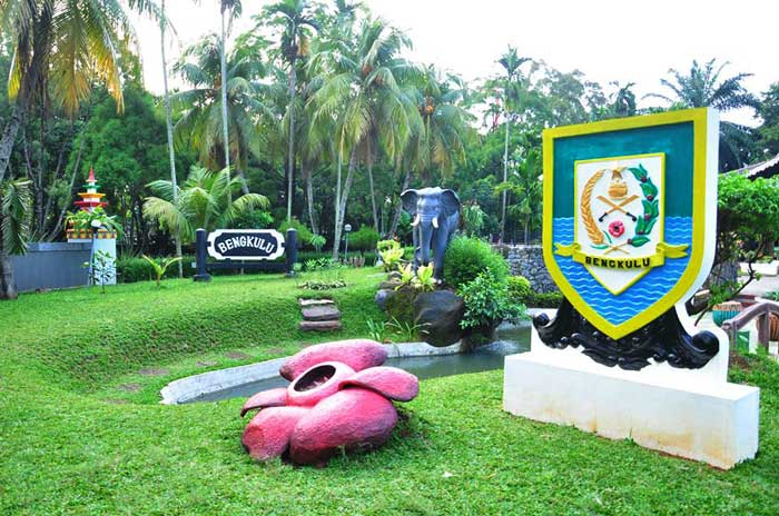 anjungan bengkulu - Pameran Mahasiswa UHAMKA di TMII Anjungan Bengkulu