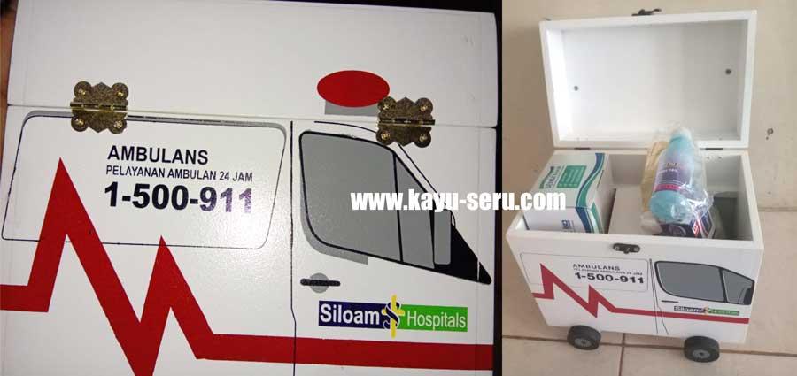 kotak obat mobil - Membuat Kotak P3K Bentuk Mobil Ambulance Dari Kayu