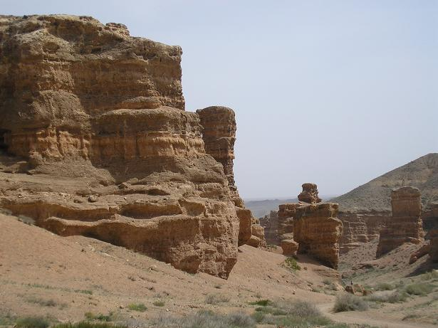 the-many-shapes-of-charyn-valley
