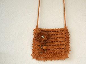 Petite pochette au crochet en coton