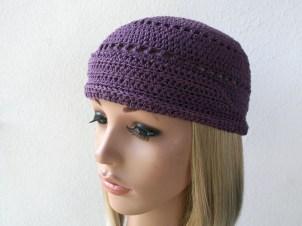 """Chapeau """"Audrey"""" créé sur mesure en coton Natura (DMC) couleur mauve - Création Kazamarie - Mai 2015"""