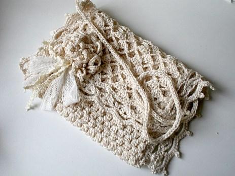 Pochette de mariée au crochet dentelle