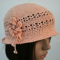 Petit chapeau cloche rose poudré...