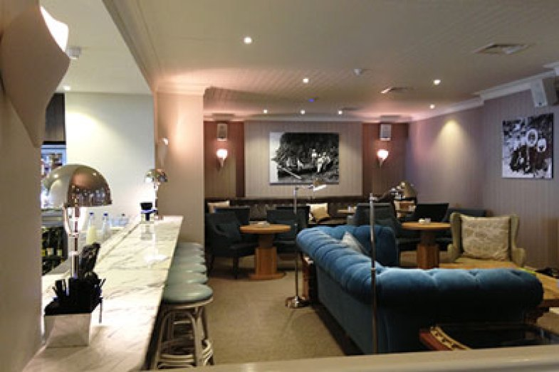 Harbour Hotel Salcombe Lounge area and bar