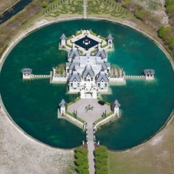 charles-sieger-castle-mansion-moat-miami1