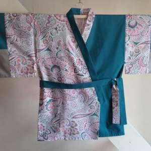 kimono-cachemiry-bleu-face
