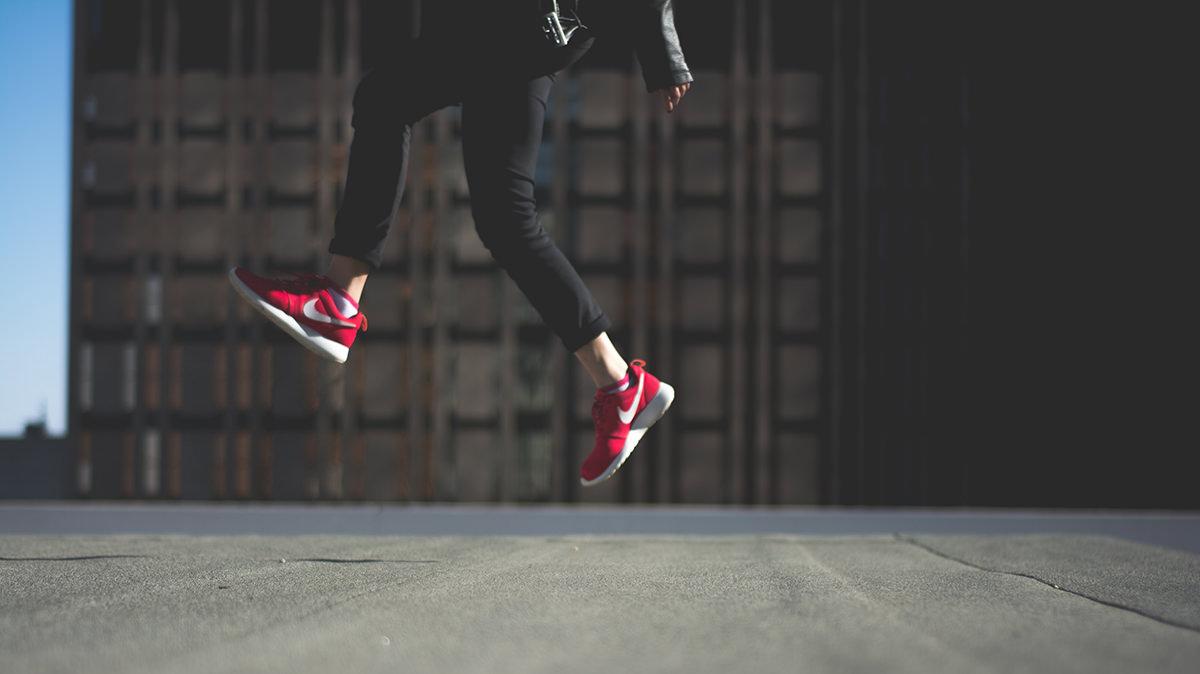 エア縄跳びジャンプ&呼吸の瞬間リフレッシュ法で胃を動かそう