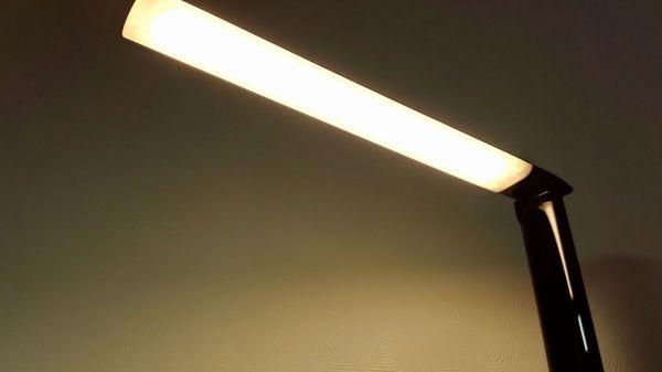 aukey-led-desk-lamp(lLT-T10)033