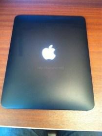 iPadをブラックカスタムとアップルロゴLEDカスタム