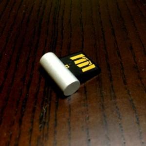 超小型USBメモリーエレコムMF-KSU2A32GSV