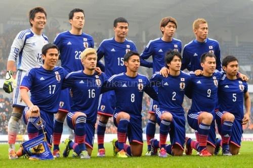 サッカー日本代表客席埋めたサポーター引き分けにため息ほか今日の #スクラップ #2014 #6/20