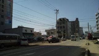 多賀城市八幡、電気復旧作業中。関西電力の車両あり。感謝。