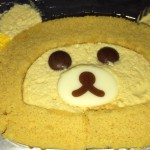 ローソン 自分でつくるリラックマロールケーキ。何かおかしいな(食べ終わってから気づいた http://t.co/raPeQOQYDD