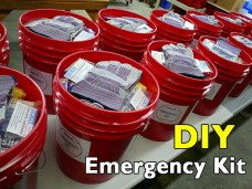 emergency-kit-5-gallon-bucket1