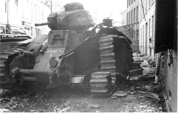 frantsuzskij-tank-char-b1-bis-08