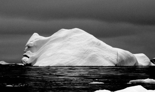 """""""Лицо айсберга"""". Фотография была сделана во время экспедиции по Антарктиде."""