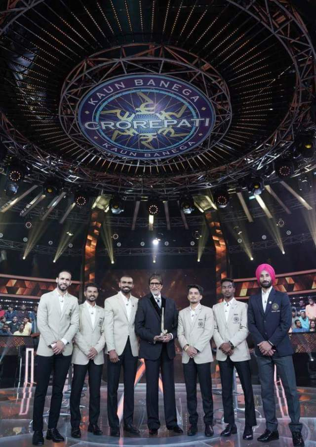 Indian Hockey Team in KBC Karmveer Episode