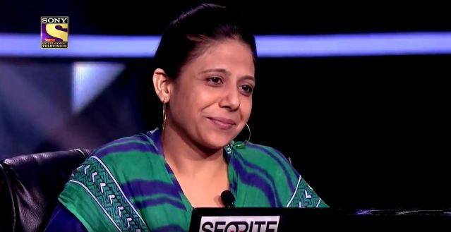 Meet our KBC contestant FARHAT NAZ, a Madrasa Teacher – Watch her in KBC12